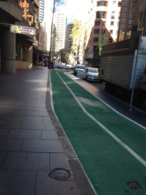 Green bike lane Kent St